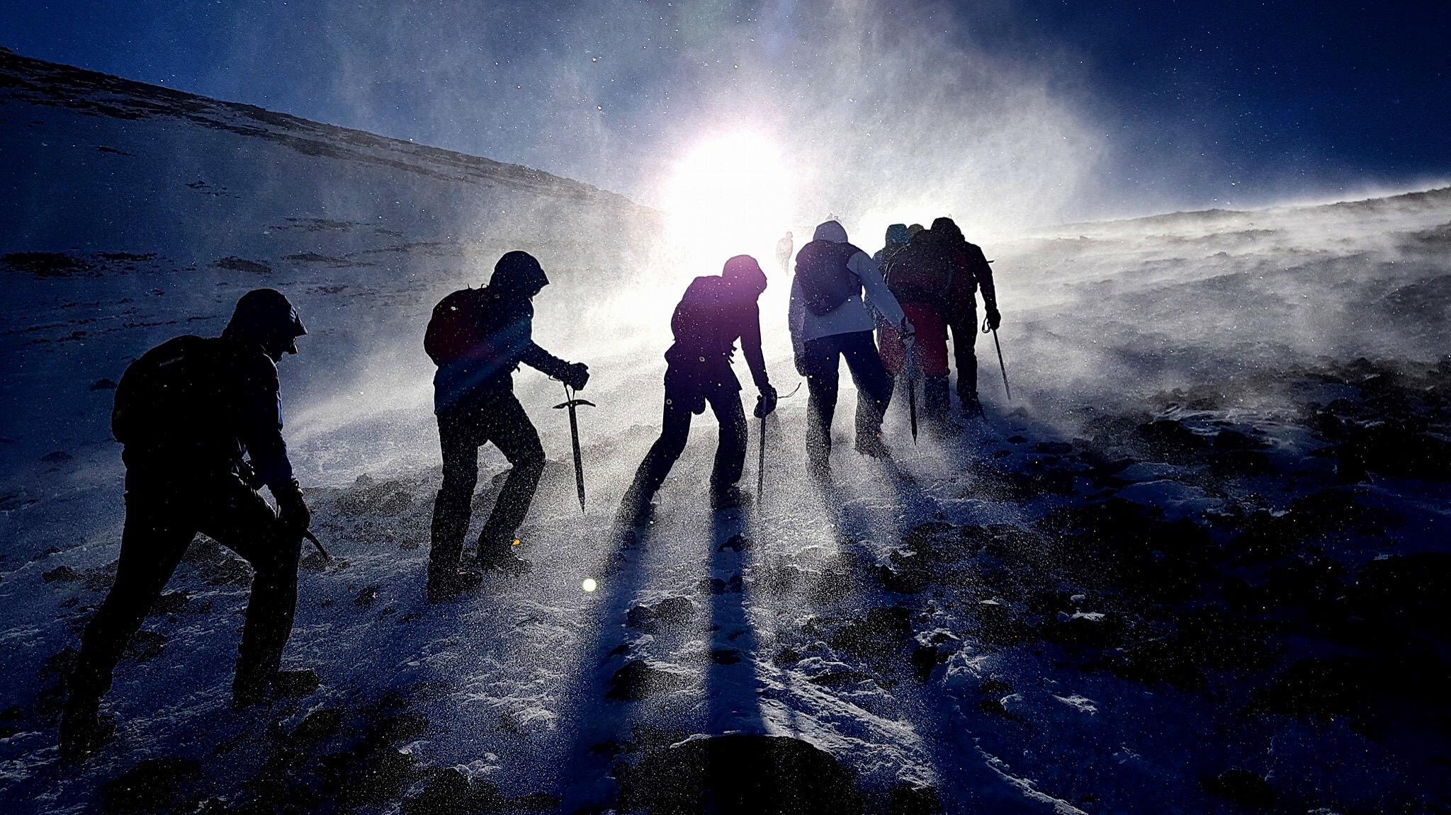 I snöstormen mot toppen av Jbel Toubkal. Foto: Anders Hellstrand